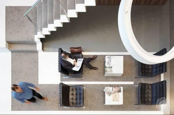 Bijzondere vloer in het nieuwe kantoor van DTZ Zadelhoff in Amsterdam
