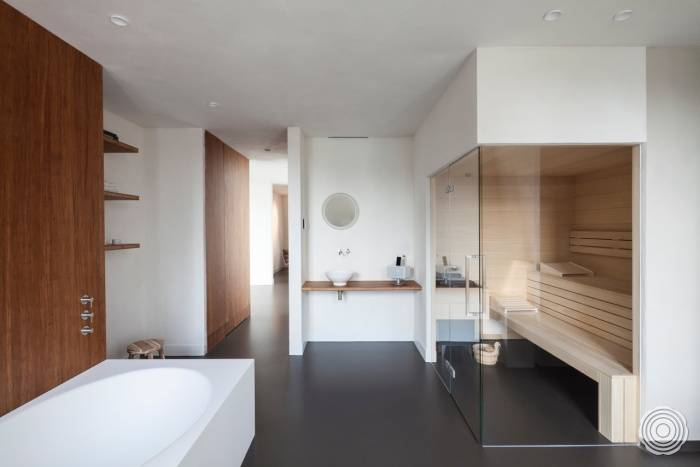 warm seamless and liquid tight a seamless senso resin floor